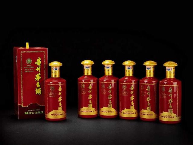 """茅台酒居""""年度中国白酒品牌口碑报告""""首位"""