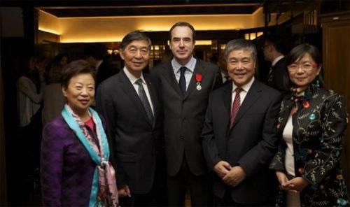 家乐福中国区总裁唐嘉年喜获法国国家荣誉军团勋章
