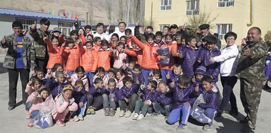 飞利浦照明新疆叶城太阳能路灯捐赠公益项目顺利完工:爱心传递 点亮未来
